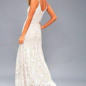 NWT Lulu's Flynn White Lace Maxi Dress